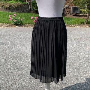 Black Plisse Pleated Skirt Size XS